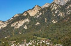Σύνοδοι Κορυφής των Άλπεων - δείτε από την πόλη Chur στην Ελβετία στοκ φωτογραφίες