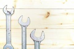 Σύνολο γαλλικών κλειδιών στο ξύλινο υπόβαθρο με το διάστημα αντιγράφων Στοκ εικόνες με δικαίωμα ελεύθερης χρήσης