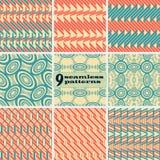 Σύνολο γεωμετρικών άνευ ραφής σχεδίων στα εκλεκτής ποιότητας χρώματα απεικόνιση αποθεμάτων