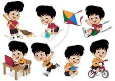 Σύνολο δραστηριότητας παιδιών, παιδί που σκουπίζει ένα φύλλο, που χρωματίζει μια εικόνα, playi απεικόνιση αποθεμάτων