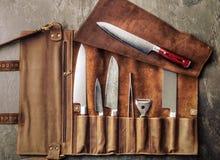Σύνολο επαγγελματικών εργαλείων μαγείρων Ειδική περίπτωση των μαχαιριών μαγείρων Στοκ εικόνες με δικαίωμα ελεύθερης χρήσης