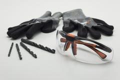 Σύνολο εργασίας, γάντια, γυαλιά ασφάλειας, τρυπάνι Στοκ Εικόνα