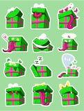 Σύνολο κιβωτίων δώρων αυτοκόλλητων ετικεττών emoji χρώματος επίσης corel σύρετε το διάνυσμα απεικόνισης Στοκ Εικόνα