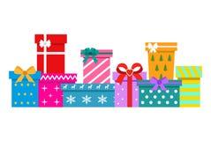 Σύνολο κιβωτίων δώρων σε ένα άσπρο υπόβαθρο στοκ εικόνες