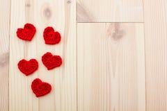 Σύνολο κόκκινων πλεκτών καρδιών Στοκ εικόνες με δικαίωμα ελεύθερης χρήσης