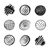 Σύνολο μαύρων συρμένων χέρι κύκλων, στοιχεία για το σχέδιο στο άσπρο BA ελεύθερη απεικόνιση δικαιώματος