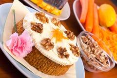 σύνολο ξύλων καρυδιάς καρότων καρότων κέικ Στοκ Εικόνα