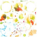 Σύνολο παφλασμών watercolor και λεκέδων του φλυτζανιού καφέ στοκ εικόνα