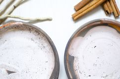 Σύνολο πιάτων για τον καφέ από τον άργιλο Διακοσμητικό cerasmics αγγειοπλάστης Στοκ φωτογραφίες με δικαίωμα ελεύθερης χρήσης