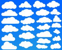 Σύνολο πολλών άσπρων σύννεφων στο μπλε ουρανό επίσης corel σύρετε το διάνυσμα απεικόνισης διανυσματική απεικόνιση