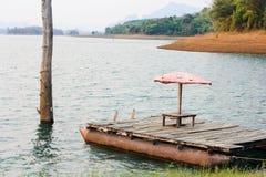 Σύνολο στη λίμνη στοκ φωτογραφίες