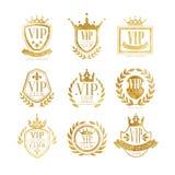 Σύνολο σχεδίου λογότυπων VIP λεσχών, χρυσό διακριτικό πολυτέλειας για τη μπουτίκ, εστιατόριο, διανυσματικές απεικονίσεις ξενοδοχε Στοκ Φωτογραφία