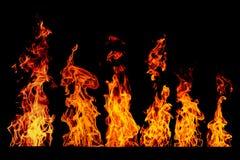 Σύνολο φλογών πυρκαγιάς που απομονώνεται απομονωμένο στο ο Μαύρος υπόβαθρο - όμορφο Στοκ Εικόνες