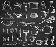 Σύνολο χεριού που επισύρεται την προσοχή cookware στον πίνακα κιμωλίας επίσης corel σύρετε το διάνυσμα απεικόνισης στοκ εικόνα