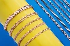 σύνολο χρυσών αλυσίδων Στοκ Φωτογραφία