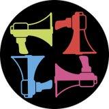 Σύνολο χρωματισμένα megaphones, μαύρο υπόβαθρο, διάνυσμα ελεύθερη απεικόνιση δικαιώματος