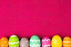 Σύνορα αυγών Πάσχας στο ροζ Στοκ φωτογραφία με δικαίωμα ελεύθερης χρήσης