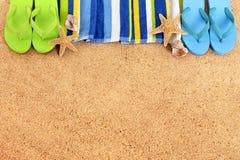 Σύνορα παραλιών, πτώσεις κτυπήματος, υπόβαθρο άμμου, διάστημα αντιγράφων στοκ φωτογραφία με δικαίωμα ελεύθερης χρήσης