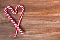 Σύνορα Χριστουγέννων στο ξύλινο υπόβαθρο Στοκ εικόνες με δικαίωμα ελεύθερης χρήσης