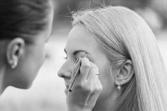 Σύνοδος Makeup στη φύση Στοκ φωτογραφία με δικαίωμα ελεύθερης χρήσης