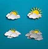 Σύνολο άσπρων σύννεφου και ήλιου στο μπλε υπόβαθρο Στοκ φωτογραφία με δικαίωμα ελεύθερης χρήσης