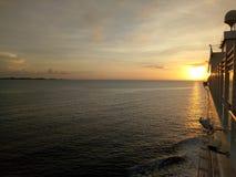 Σύνολο ήλιων κρουαζιερόπλοιων Στοκ Φωτογραφίες