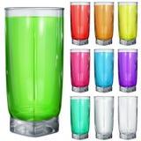 Σύνολο αδιαφανών γυαλιών με τα πολύχρωμα ποτά απεικόνιση αποθεμάτων