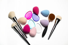 Σύνολο βουρτσών makeup, μπλέντερ ομορφιάς, σφουγγαριών σιλικόνης και ωαρίων Στοκ φωτογραφία με δικαίωμα ελεύθερης χρήσης