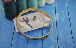 Σύνολο για τη ραπτική και το ράψιμο κεντητικής Στοκ εικόνα με δικαίωμα ελεύθερης χρήσης