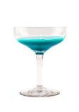 Σύνολο γυαλιού με το ανοικτό μπλε κοκτέιλ σε ένα άσπρο υπόβαθρο Στοκ Φωτογραφίες