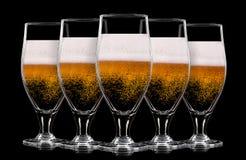 Σύνολο γυαλιών μπύρας στο μαύρο υπόβαθρο Στοκ εικόνες με δικαίωμα ελεύθερης χρήσης