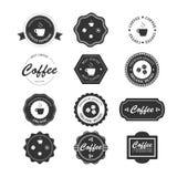 Σύνολο εκλεκτής ποιότητας αναδρομικών διακριτικών και ετικετών καφέ Διανυσματική απεικόνιση
