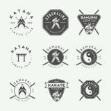 Σύνολο εκλεκτής ποιότητας karate ή λογότυπου πολεμικών τεχνών, έμβλημα, διακριτικό, ετικέτα απεικόνιση αποθεμάτων