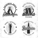 Σύνολο εννοιών μπύρας λογότυπων Ετικέτες στο αναδρομικό εκλεκτής ποιότητας ύφος Στοκ Εικόνα