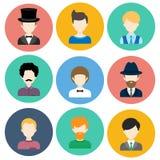 Σύνολο επίπεδων εικονιδίων με τους χαρακτήρες ατόμων Στοκ Εικόνα