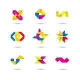 Σύνολο ελάχιστων γεωμετρικών πολύχρωμων συμβόλων και μορφών Καθιερώνοντα τη μόδα εικονίδια και logotypes Σύμβολα επιχειρησιακών σ Στοκ Εικόνα