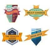 Σύνολο διανυσματικών ετικετών κορδελλών λογότυπων αναδρομικών και εκλεκτής ποιότητας εμβλημάτων ασπίδων ύφους διανυσματική απεικόνιση