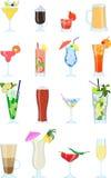 Σύνολο διαφορετικών τύπων οινοπνευμάτων coctails και άλλων ποτών ελεύθερη απεικόνιση δικαιώματος