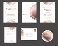 Σύνολο κάρτας γαμήλιας πρόσκλησης Συλλογή περικοπών λέιζερ Αυξήθηκε χρυσό ύφος στοκ εικόνες