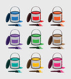 Σύνολο καθαρών κάδων χρωμάτων με τα διάφορα χρώματα Στοκ Φωτογραφία