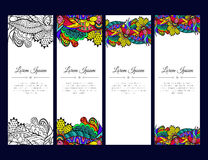 Σύνολο καρτών ή εμβλημάτων με τη ζωηρόχρωμη floral διακόσμηση zentangle Στοκ εικόνα με δικαίωμα ελεύθερης χρήσης