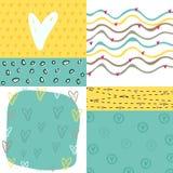 Σύνολο καρτών αγάπης ύφους doodle με τις καρδιές Στοκ Εικόνες