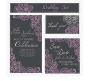 Σύνολο καρτών γάμου, πρόσκλησης ή επετείου με τη ρομαντική floral διακόσμηση Ρόδινα λουλούδια ot το σκοτεινό γκρίζο υπόβαθρο απεικόνιση αποθεμάτων