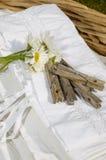 Σύνολο καλαθιών της καθαρής πρόσφατα πλυμένης γιαγιάς linens Στοκ φωτογραφία με δικαίωμα ελεύθερης χρήσης