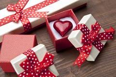 Σύνολο κιβωτίου δώρων με το αρσενικό ελάφι Στοκ Φωτογραφίες