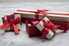 Σύνολο κιβωτίου δώρων με το αρσενικό ελάφι Στοκ εικόνες με δικαίωμα ελεύθερης χρήσης