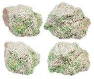 Σύνολο κομματιών βράχου με τα κρύσταλλα pintadoite Στοκ Εικόνες