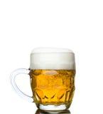 Σύνολο κουπών της φρέσκιας μπύρας που απομονώνεται στο λευκό Στοκ φωτογραφίες με δικαίωμα ελεύθερης χρήσης
