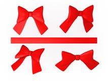 Σύνολο κόκκινων κορδελλών με το ψαλίδισμα της πορείας Στοκ εικόνες με δικαίωμα ελεύθερης χρήσης