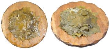 Σύνολο μαριναρισμένων φύλλων σταφυλιών στους ξύλινους πίνακες Στοκ Φωτογραφία